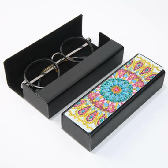 Gyémántszemekkel díszíthető szemüvegtok 3.